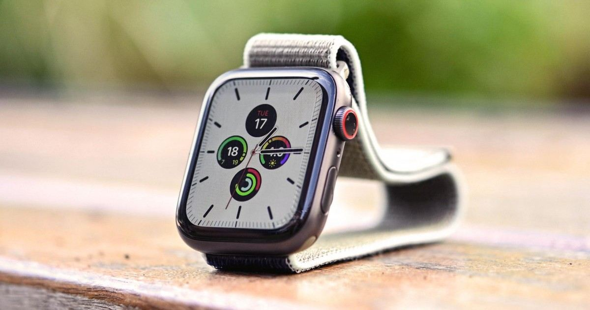 Montre connectée Apple Watch Séries 5